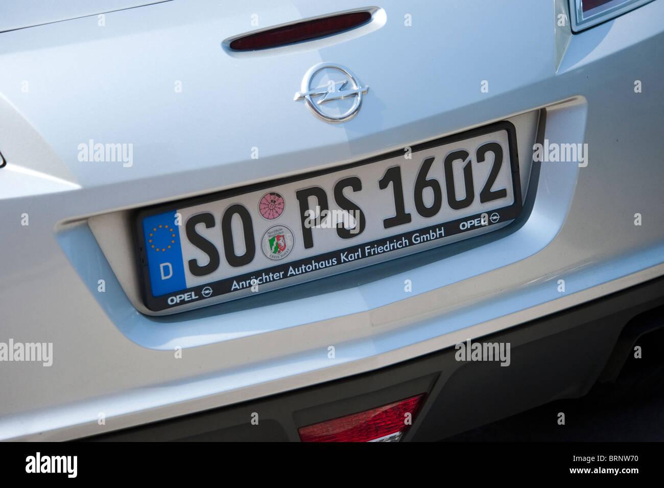 Placa de matrícula alemana Opel Car Foto de stock