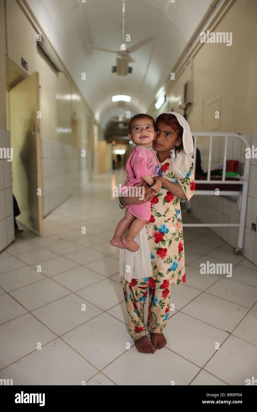 Young Afghan Girl Imágenes De Stock & Young Afghan Girl Fotos De ...