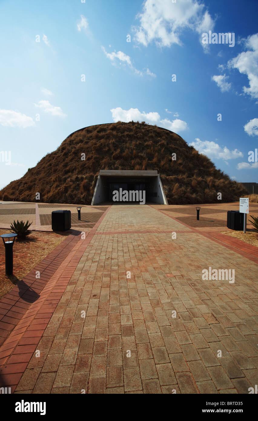 Maropeng Centro de Visitantes, cuna de la Humanidad (UNESCO Patrimonio de la Humanidad), Gauteng, Sudáfrica Imagen De Stock