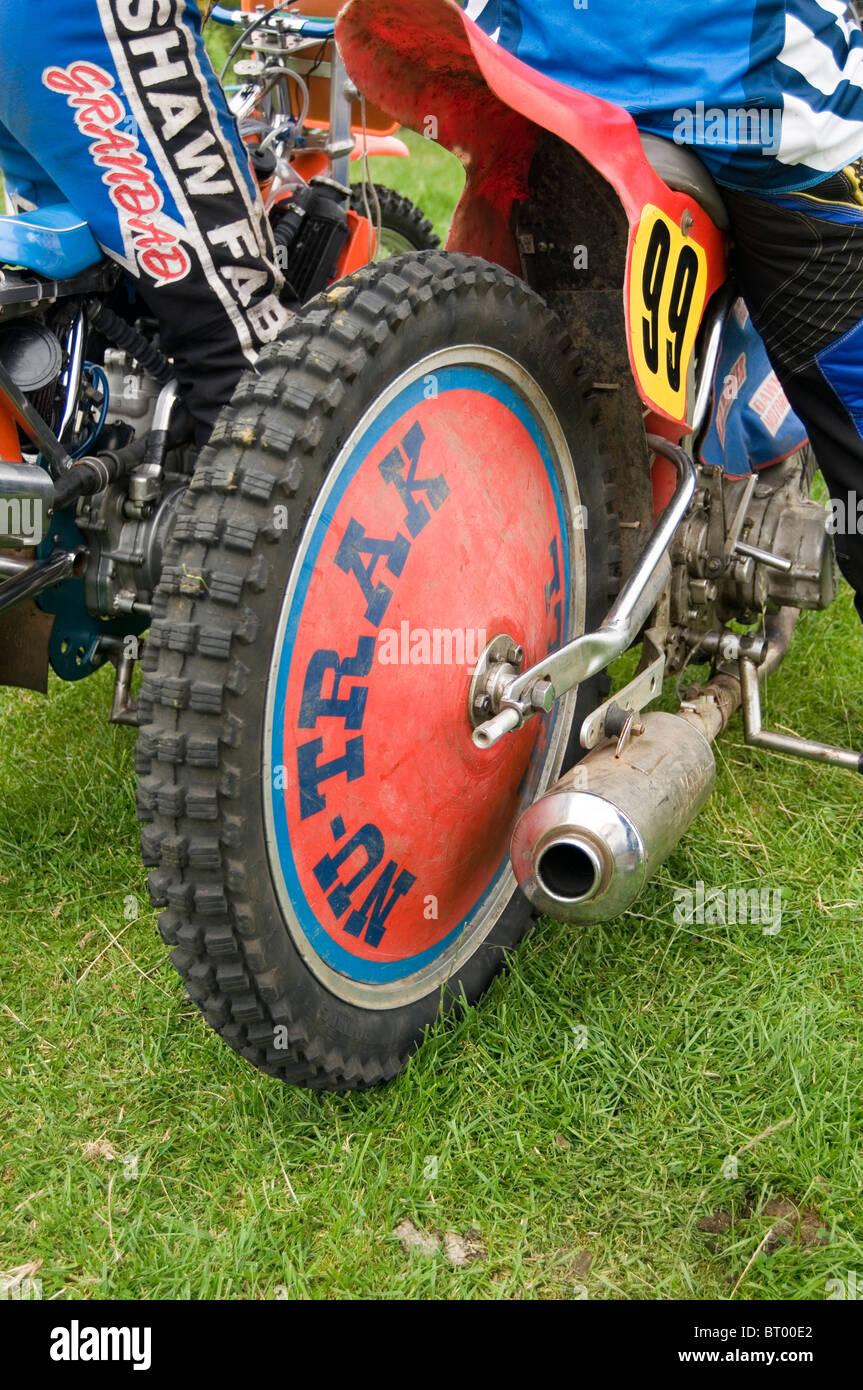 neumático de carretera Imagen De Stock