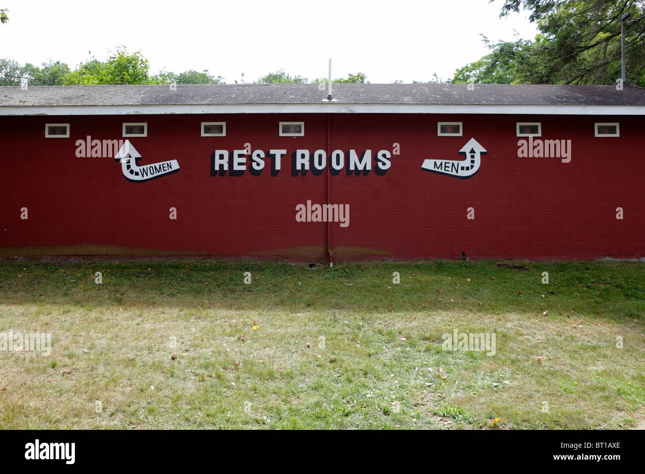 Baños de hombres y mujeres Imagen De Stock