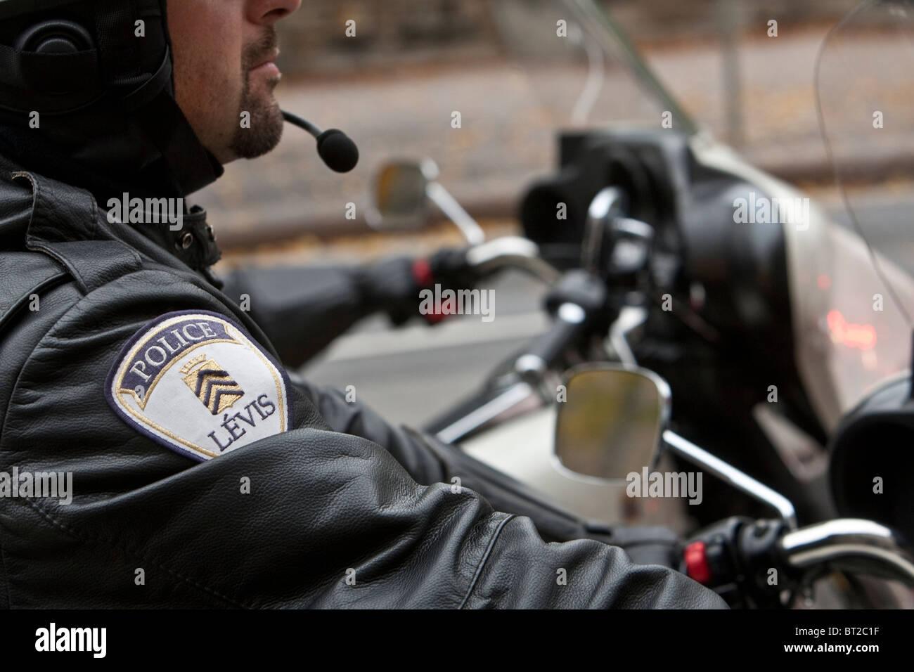 0fa2e5a8e61 ville-de-levis-motocicleta-de -la-policia-es-visto-durante-un-desfile-conmemorativo-de -la-policia-en-ottawa-domingo-26-de-septiembre-2010-bt2c1f.jpg