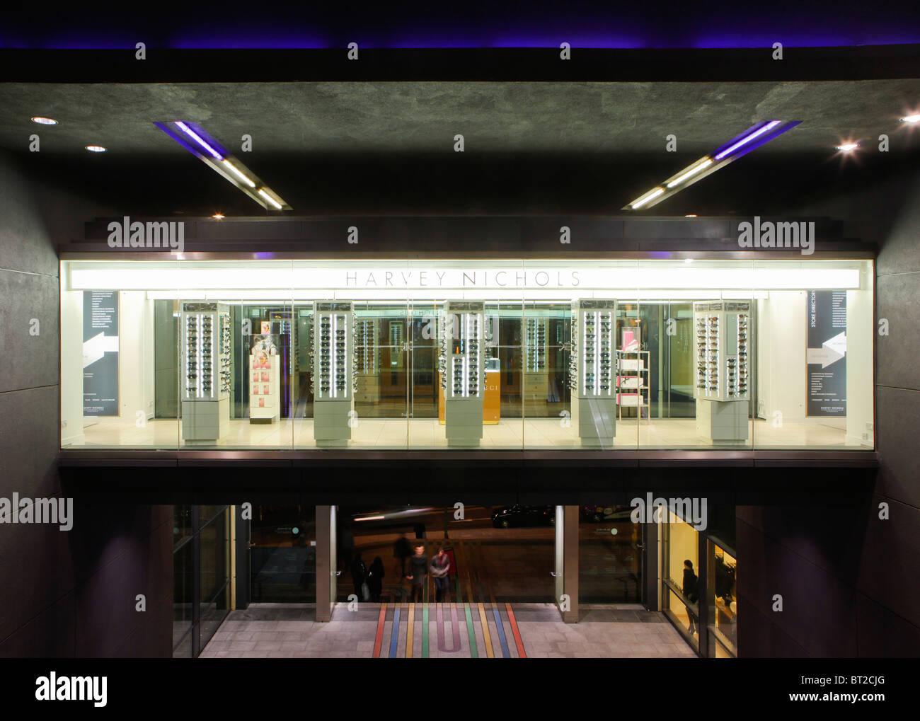 Harvey Nicholls department store en el centro comercial de Buzón, Birmingham, Inglaterra, Reino Unido. Imagen De Stock