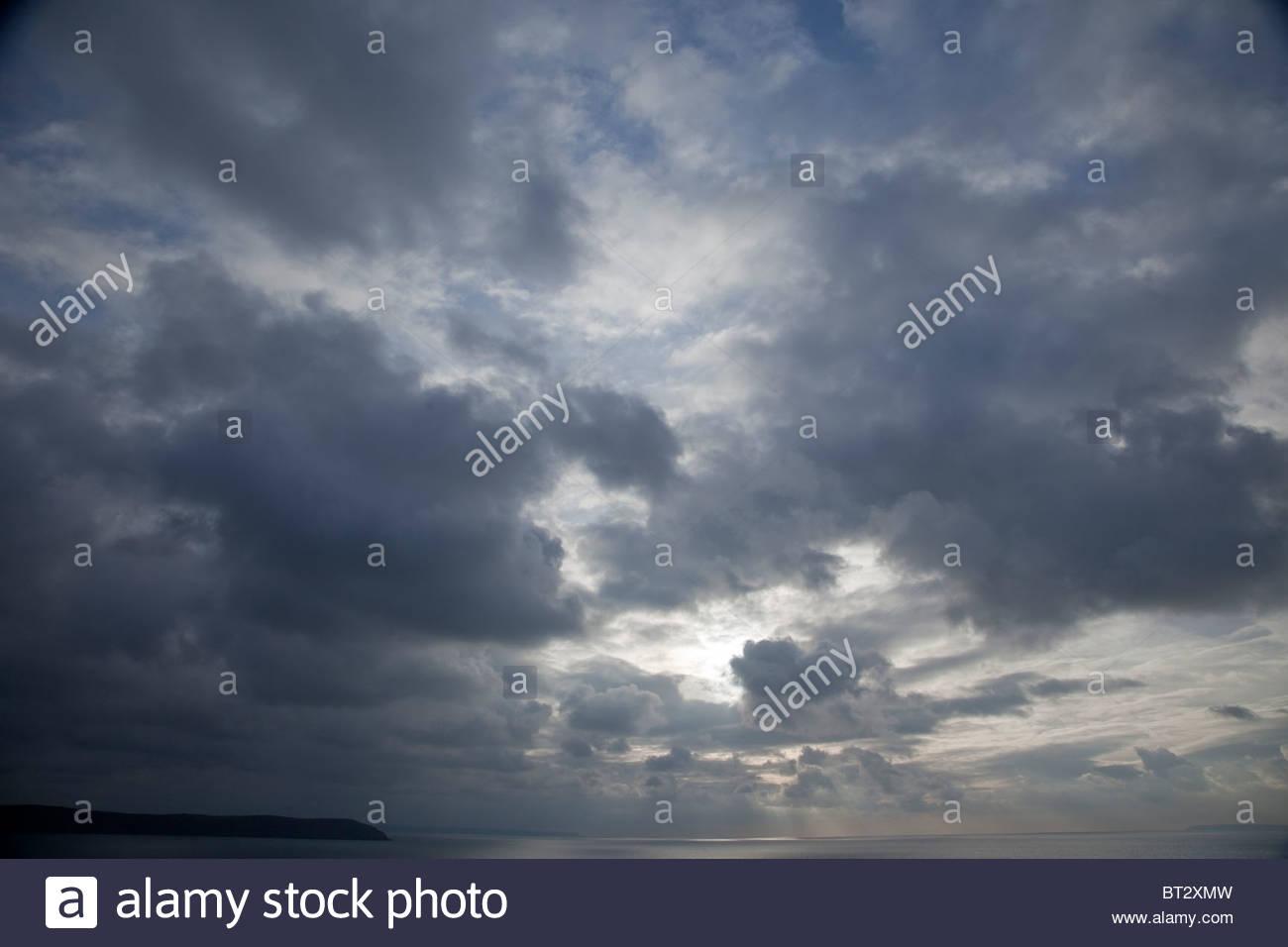 Moody cielo oscuro Imagen De Stock
