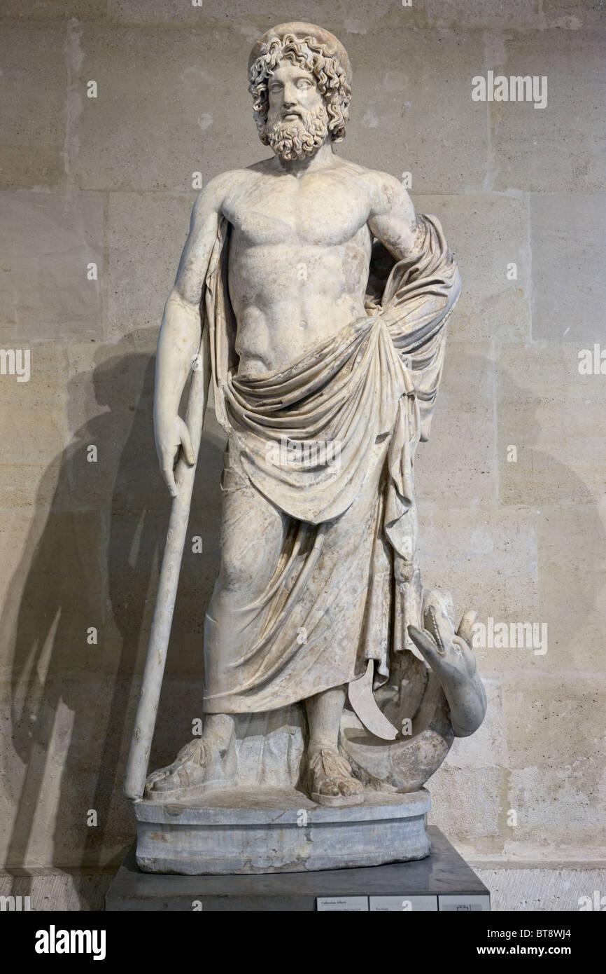 Dios griego de la medicina asclepio estatua del Museo del Louvre en París Imagen De Stock