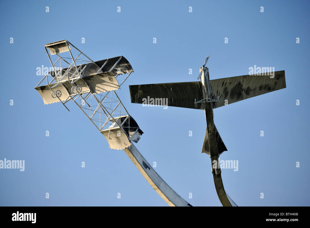 """Escultura Conmemorativa """"El espíritu de vuelo"""", (detalle). Lanark Loch, Lanark, Lanarkshire, Escocia, Reino Unido, Europa. Foto de stock"""