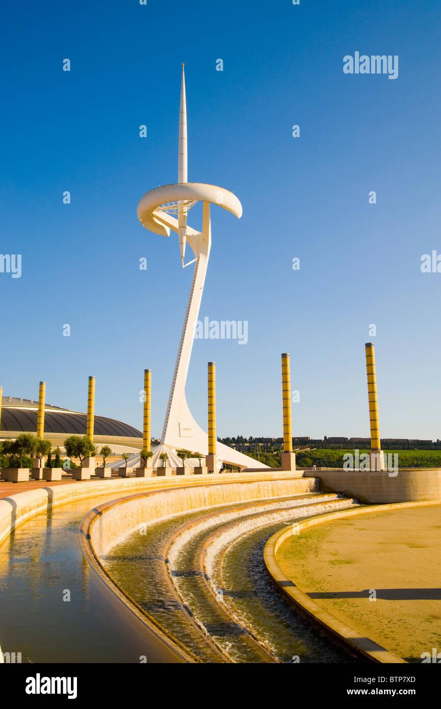 La torre de comunicaciones de Santiago Calatrava, la Villa Olímpica, Barcelona, España Imagen De Stock