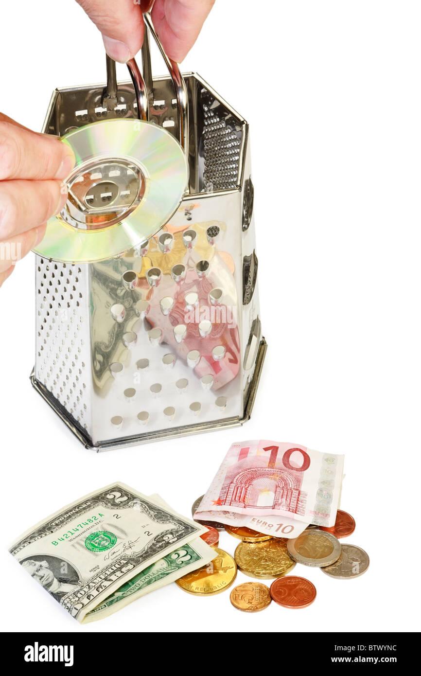 Beneficios de imagen concepto contenido multimedia con el rallador, disco compacto y dinero. Imagen De Stock