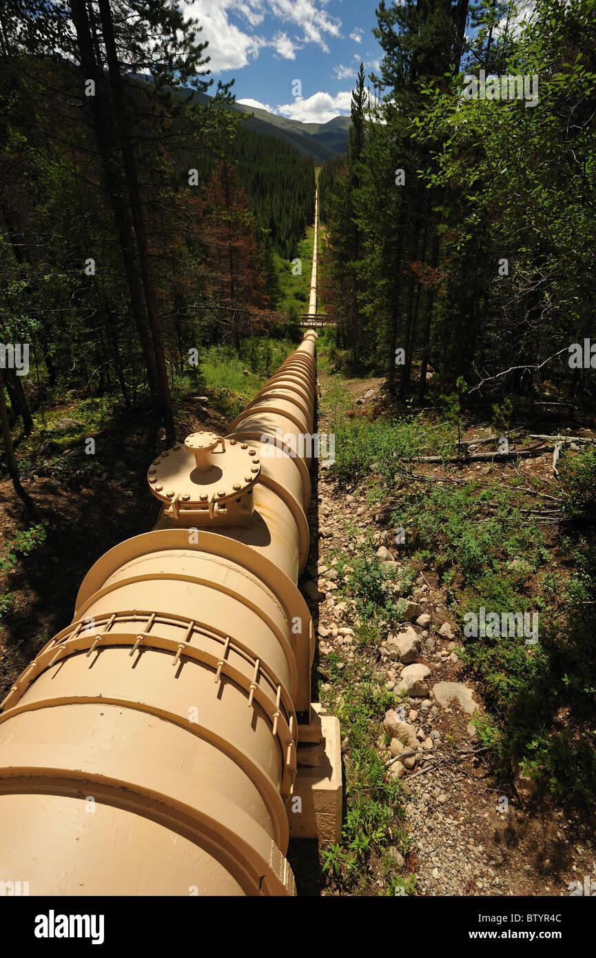 Canalización, desviación de aguas de la cuenca del río Fraser, Fraser, Colorado Imagen De Stock