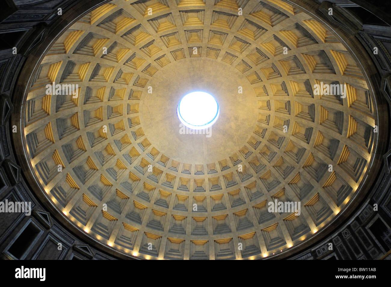 El Panteón, oculus & dome detalle Foto de stock