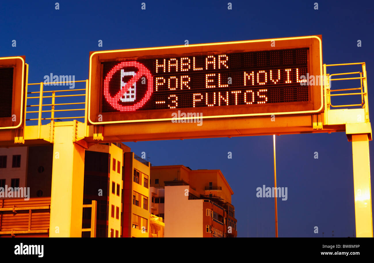 Driving road sign spain im genes de stock driving road sign spain fotos de stock alamy - Caser asistencia en carretera telefono ...