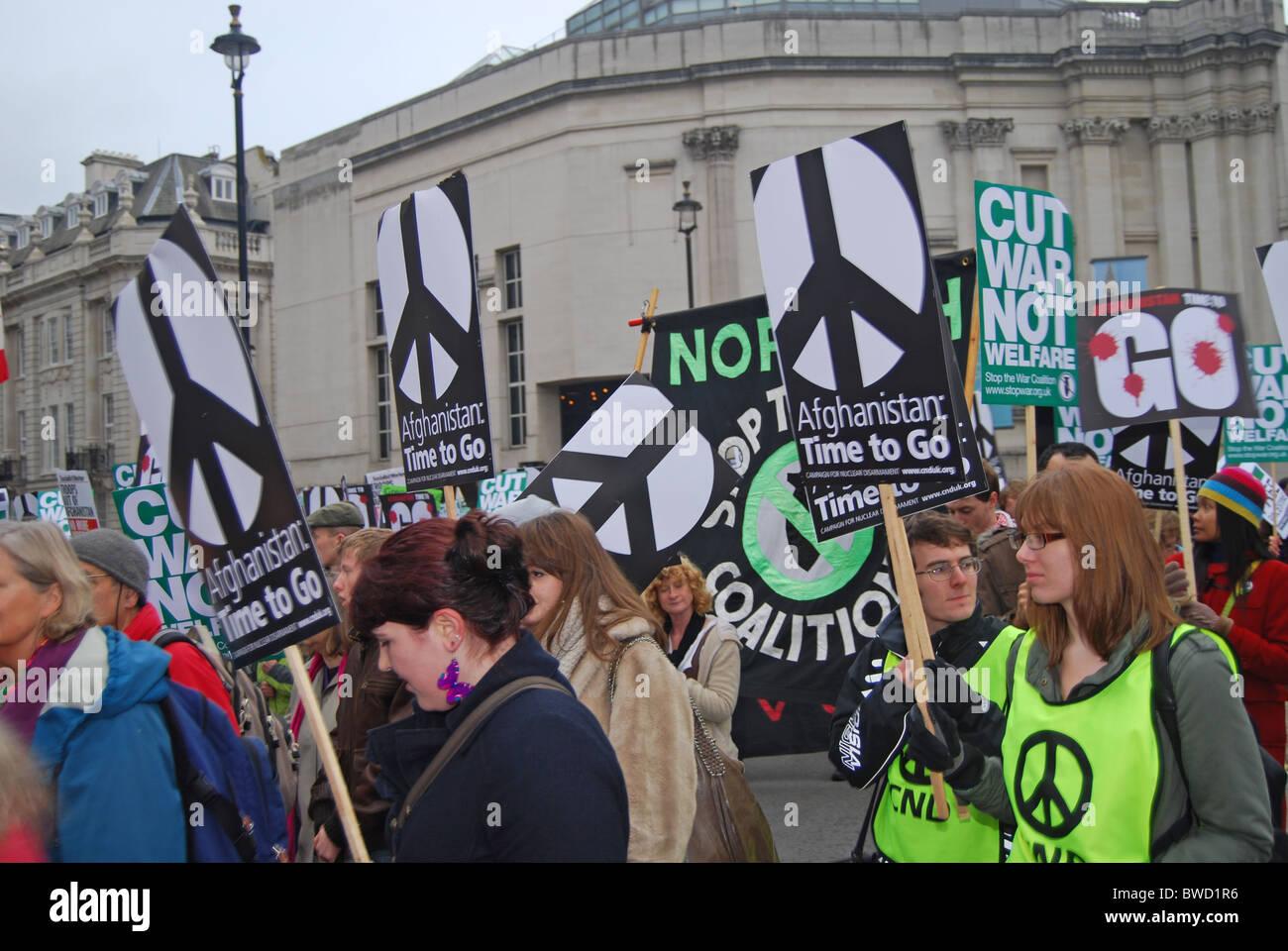 Protesta contra la guerra de la Coalición Paremos la Guerra Londres 2010 CND Imagen De Stock
