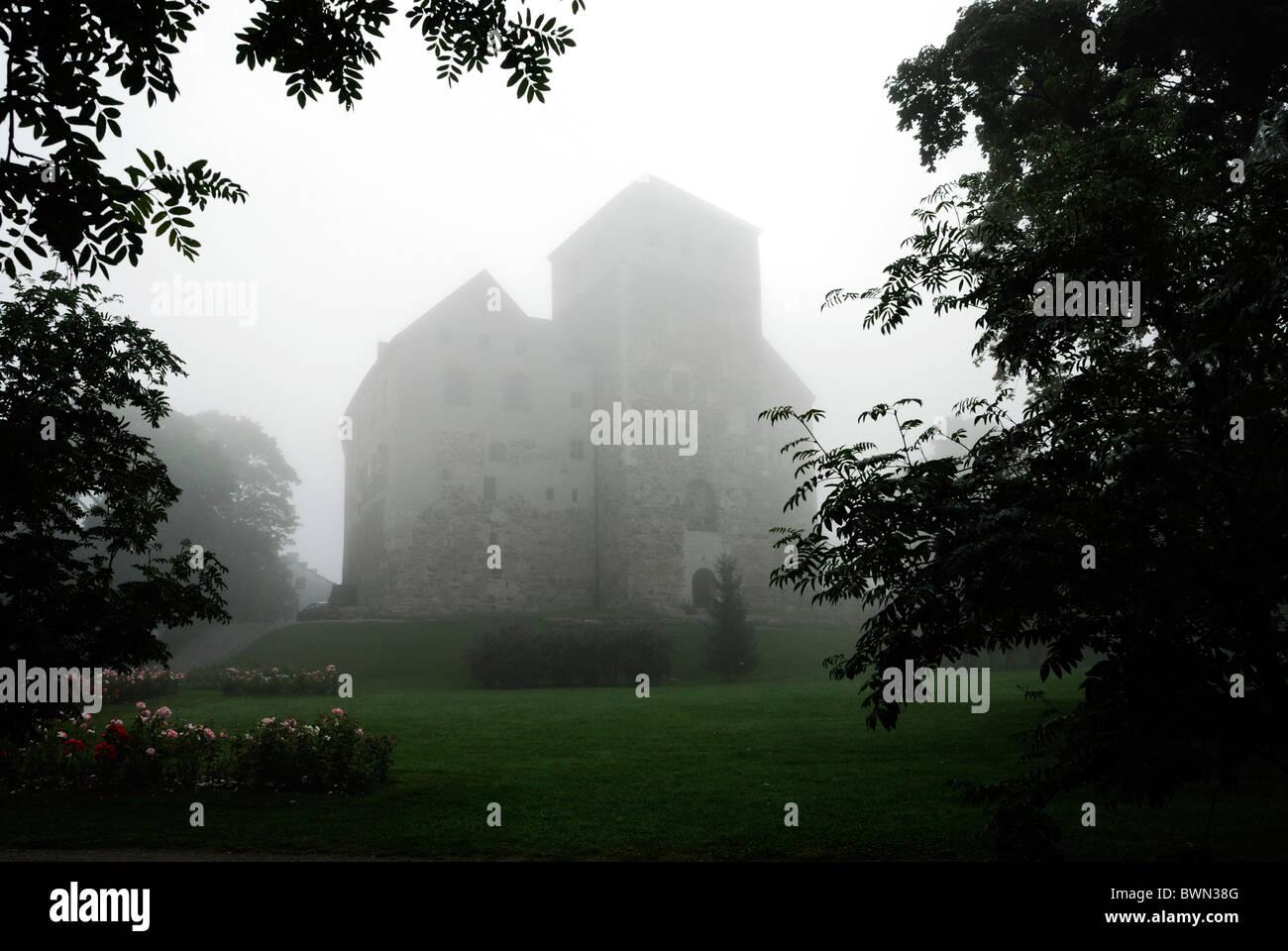 finlandia europa el castillo de turku suomi niebla castillo