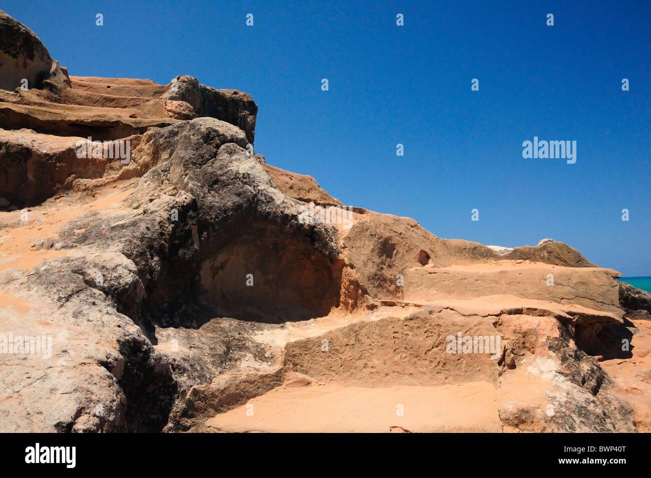 Roca Rústica pasos al amor, Playa de Pipa. Imagen De Stock