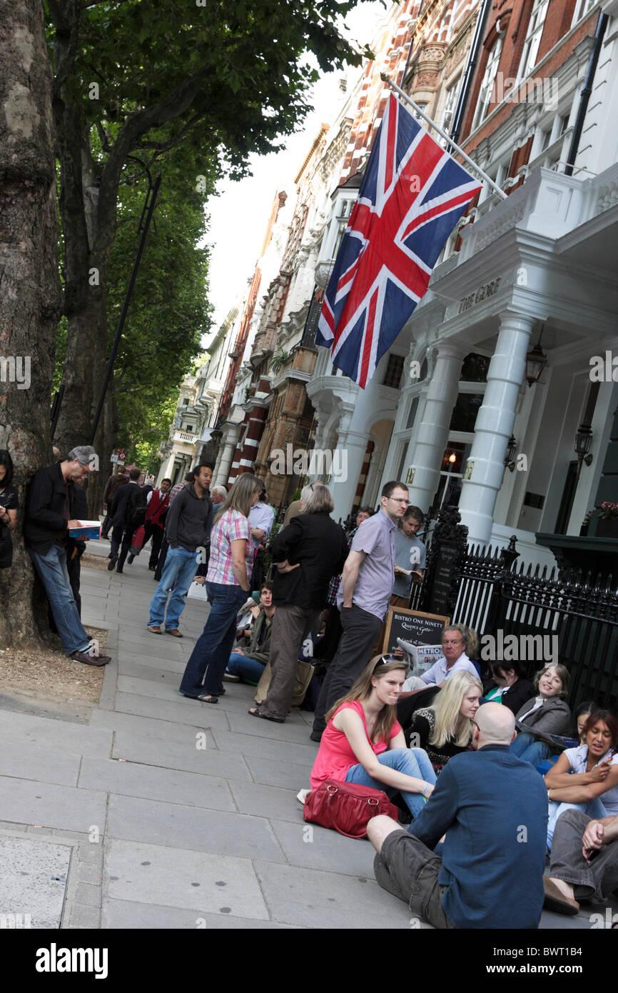 Colas de fans esperando la última Anual Noche de los Proms en el Royal Albert Hall de Londres. Foto de stock