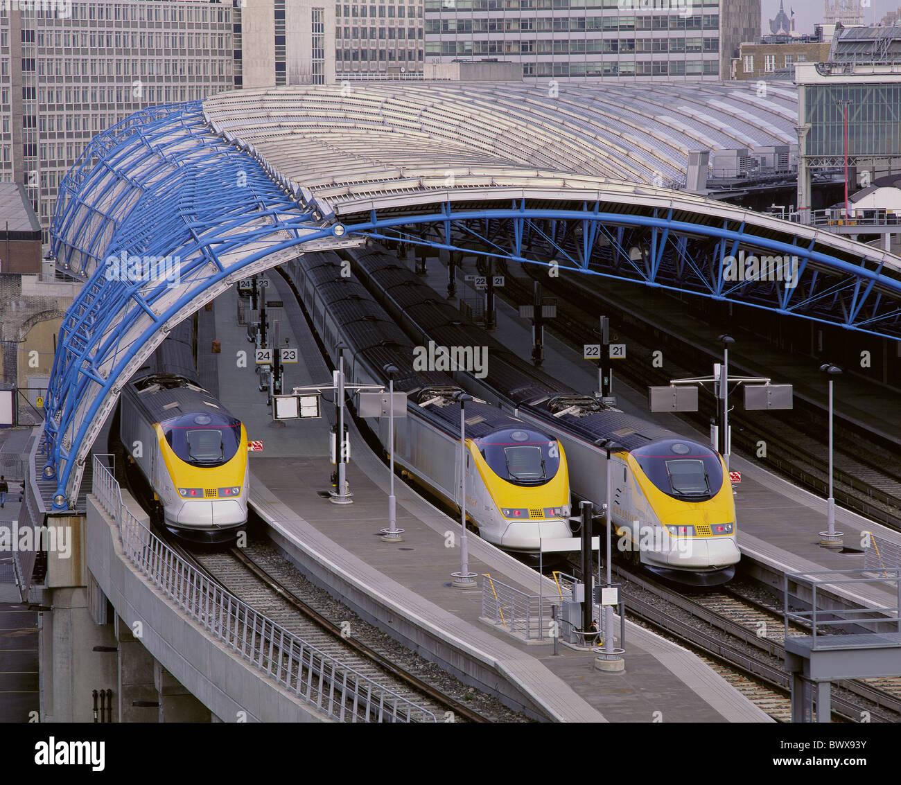 Inglaterra Gran Bretaña Europa London Waterloo Station estación de tren Eurostar trenes eurostarling waiti Imagen De Stock