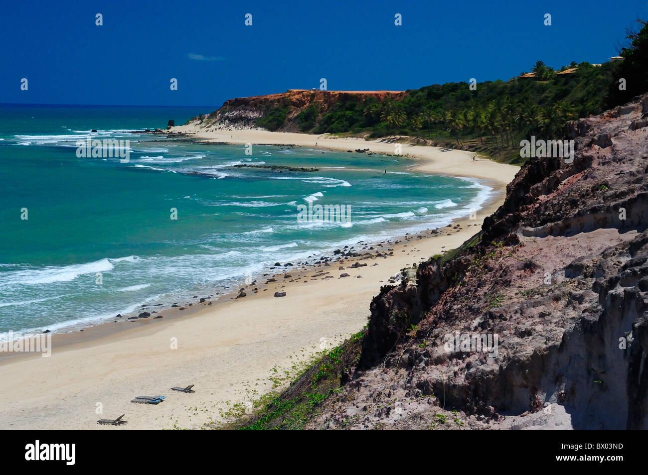 Vista elevada de Praia do Amor, Playa de Pipa, Brasil. Imagen De Stock