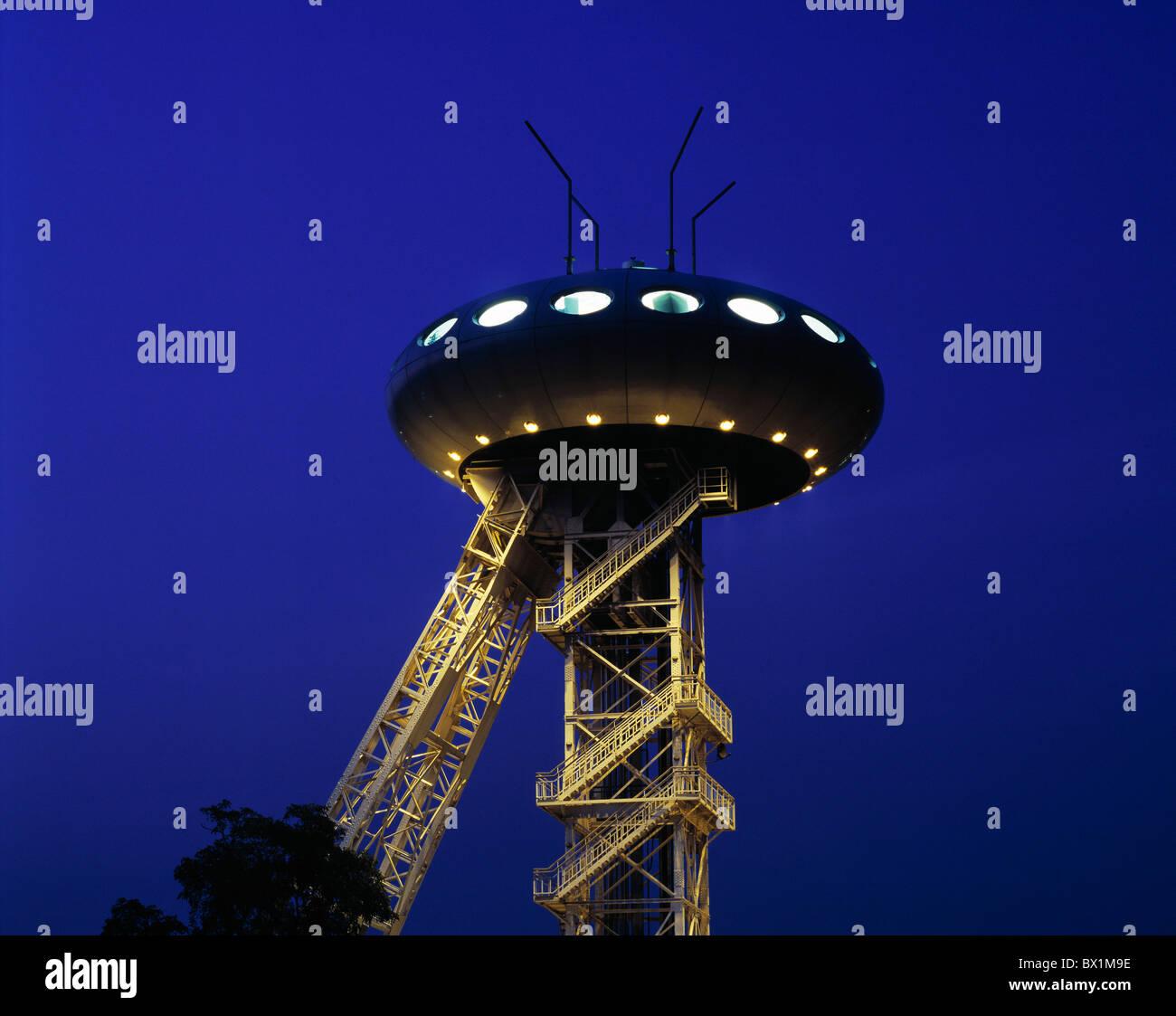 Torre de transportador Europa Alemania IBA Luigi Colani Design Lunen noche Renania del Norte Westfalia investigación Imagen De Stock
