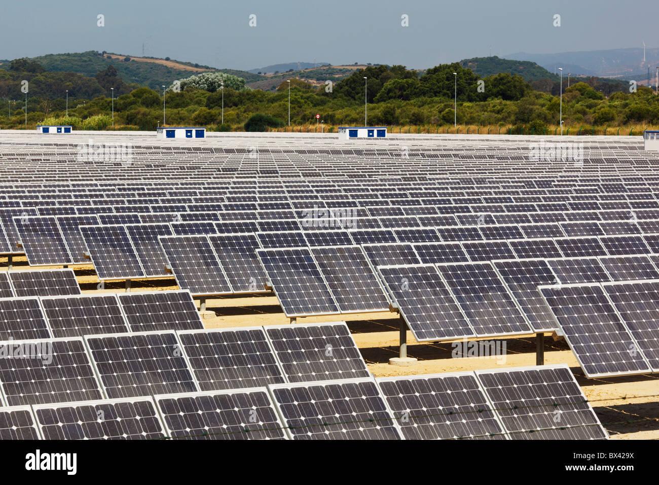 Centro de Energía Solar cerca de Guadarranque; San Roque, Cádiz, Andalucía, España Imagen De Stock