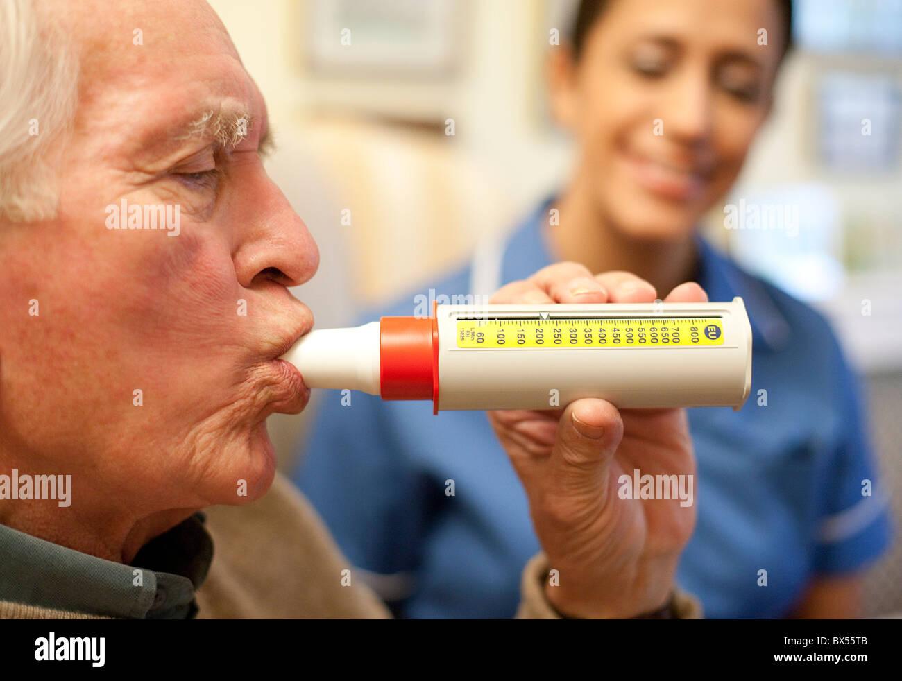 Prueba de la función pulmonar Imagen De Stock