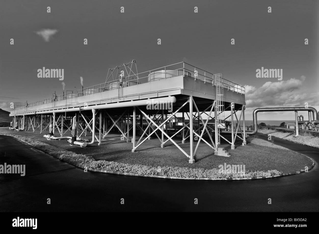 Tomadas en una instalación de energía geotérmica en las Azores utilizados para la generación Imagen De Stock
