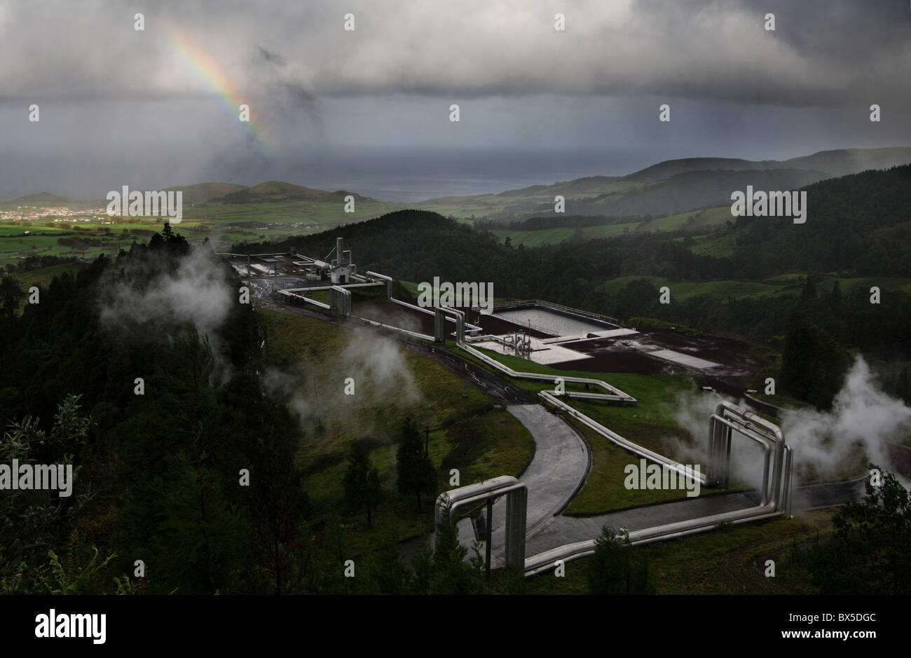 Instalación geotérmica en las Azores utilizados para la generación de energía/electricidad Imagen De Stock