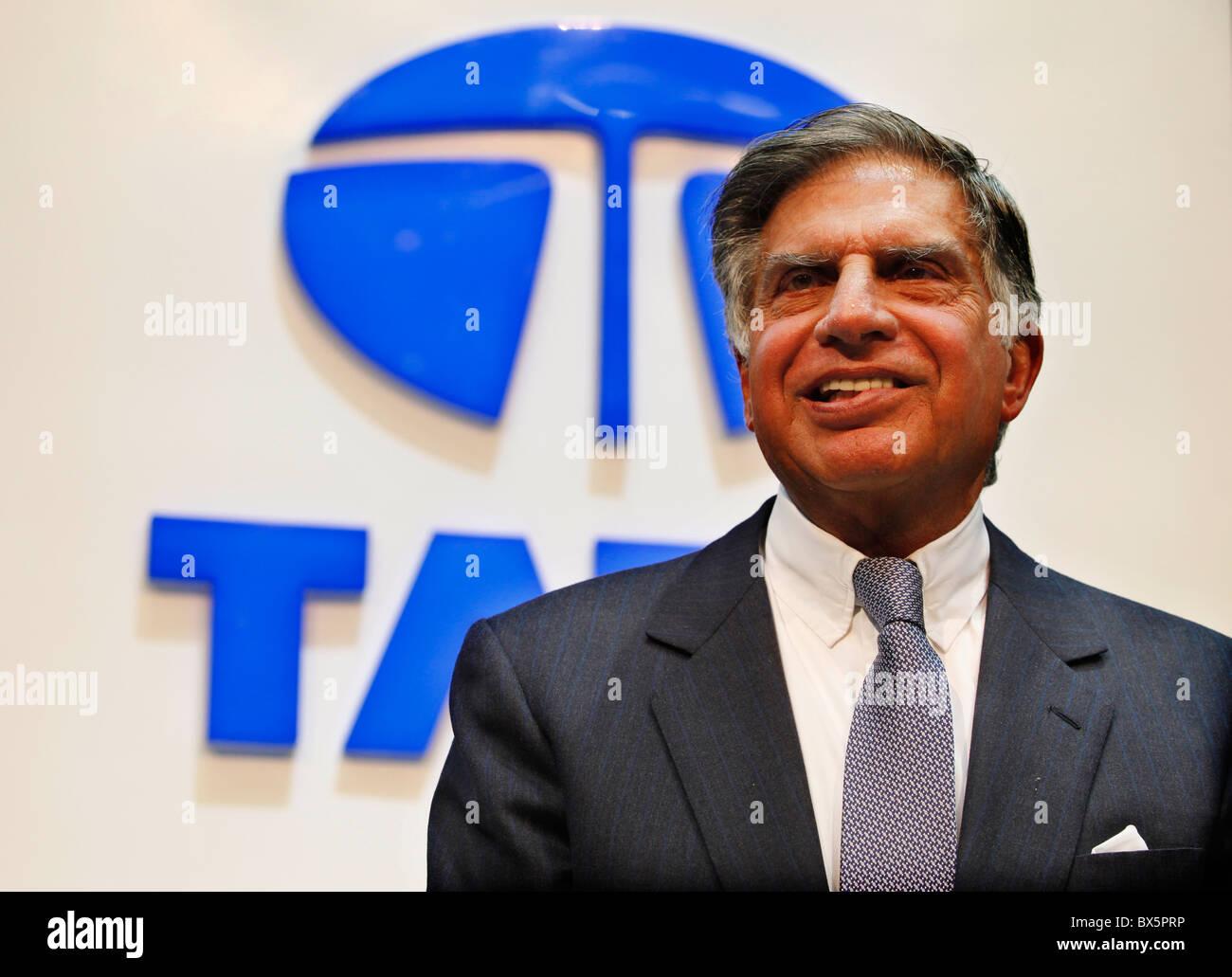 Ratan N. Tata durante el 79º Salón Internacional del Automóvil de Ginebra, Martes, 3 de marzo de 2009. (CTK Foto/René Foto de stock