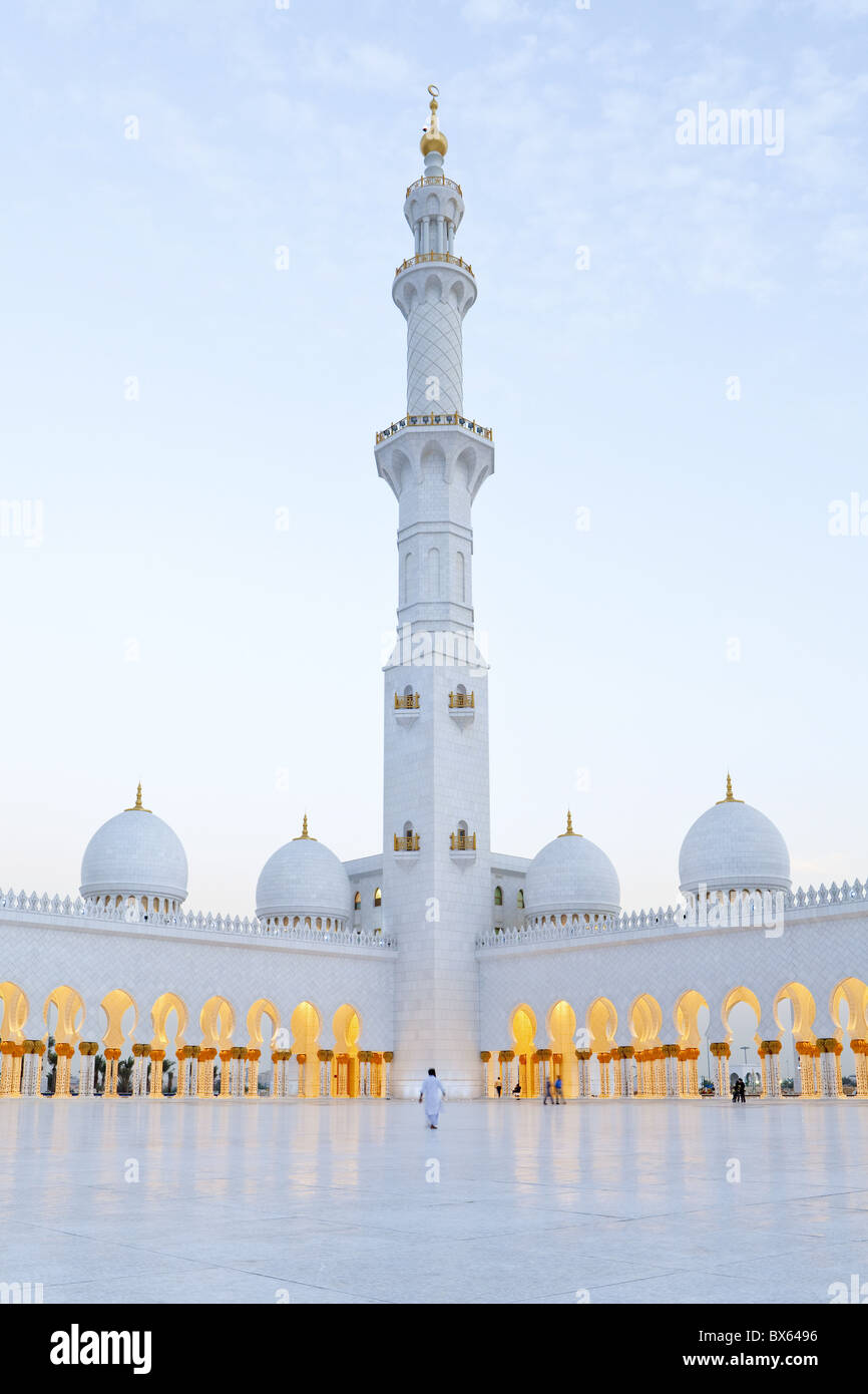El Jeque Zayed Bin Sultan Al Nahyan Mezquita, Abu Dhabi, Emiratos Árabes Unidos, Oriente Medio Imagen De Stock