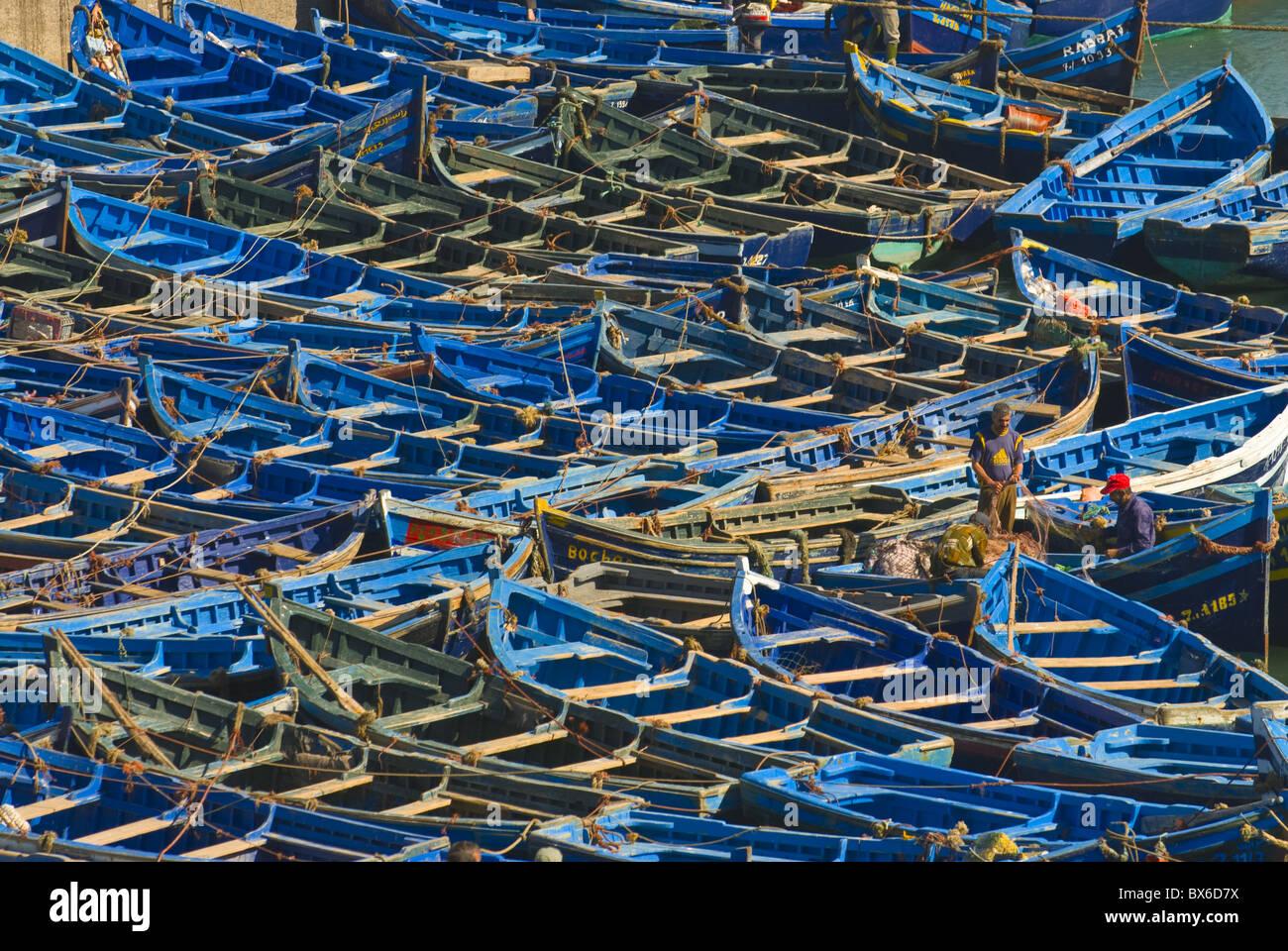 Los barcos de pesca en la ciudad costera de Essaouira, Marruecos, África del Norte, África Imagen De Stock