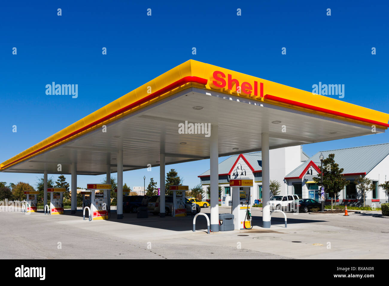 La gasolinera de Shell, Haines City, Florida, EE.UU. Imagen De Stock