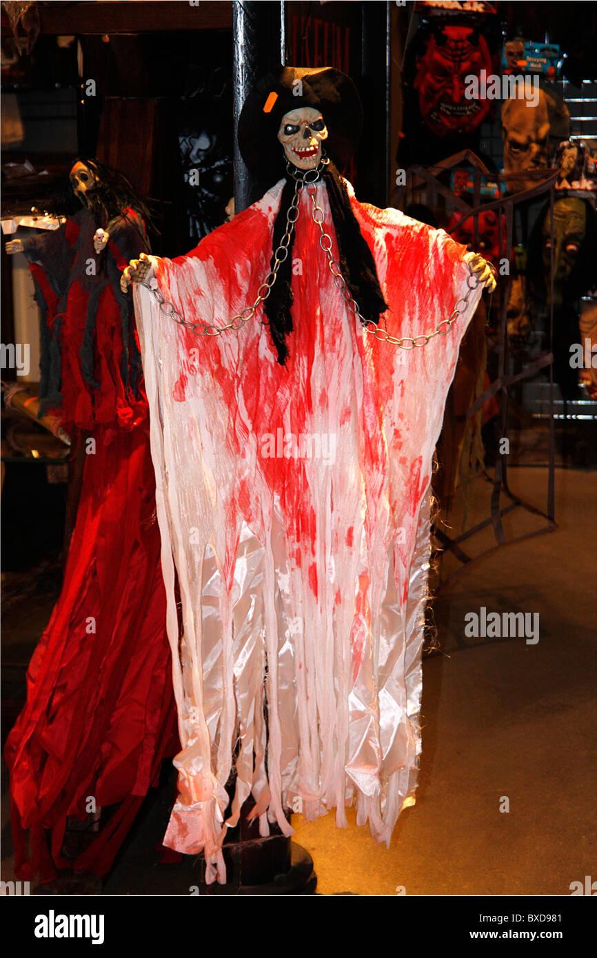 Horror Shop Imágenes De Stock & Horror Shop Fotos De Stock - Alamy