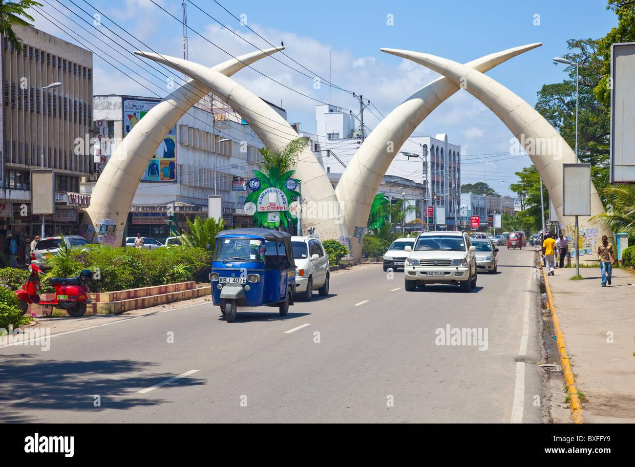 Colmillos, la avenida Moi, en Mombasa, Kenya Imagen De Stock