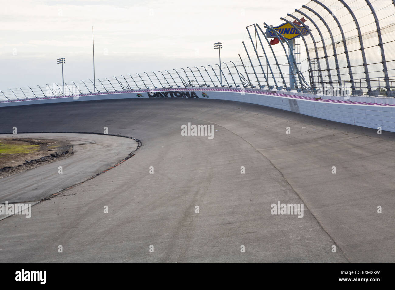 Vacíe bancarizado Race Track en Daytona International Speedway en Daytona Beach, Florida Imagen De Stock