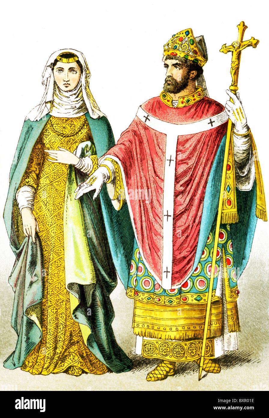 Las cifras aquí representados son una señora inglesa de rango y un obispo Inglés alrededor de A.D. Imagen De Stock