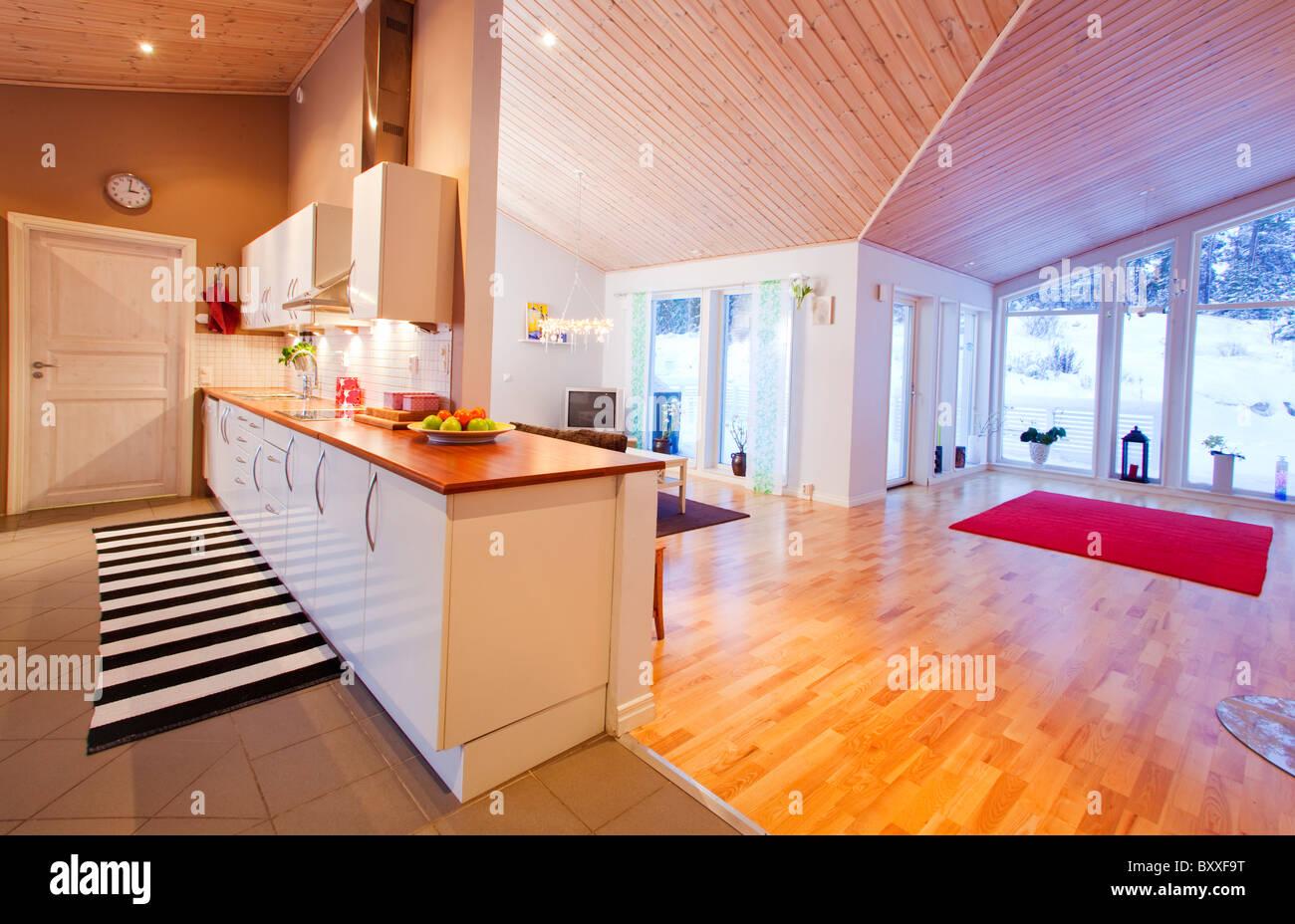 Escandinava moderna casa con construcción abierta plan.Eskilstuna, Suecia Imagen De Stock