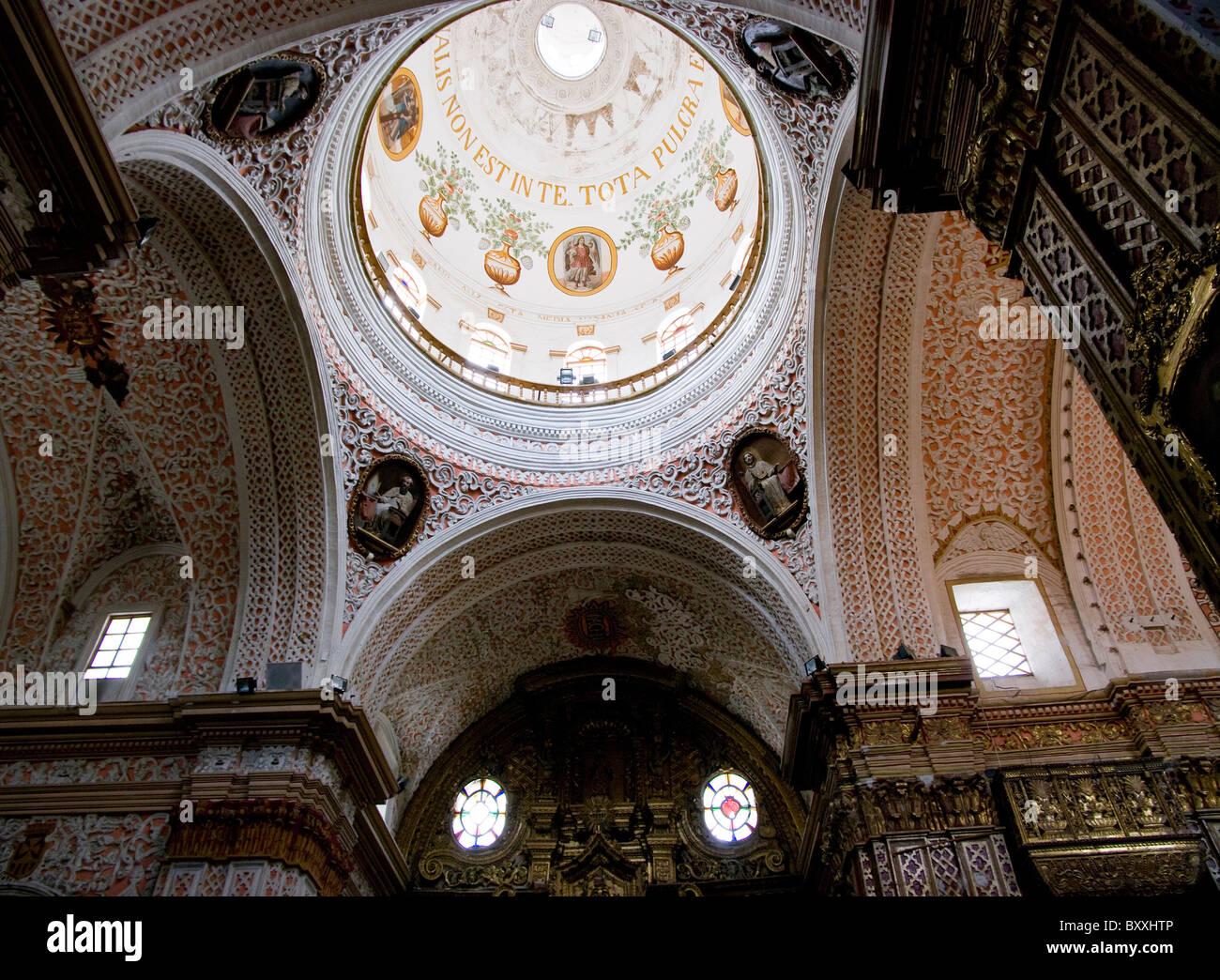 Ecuador. La ciudad de Quito. Iglesia de La Merced. Imagen De Stock