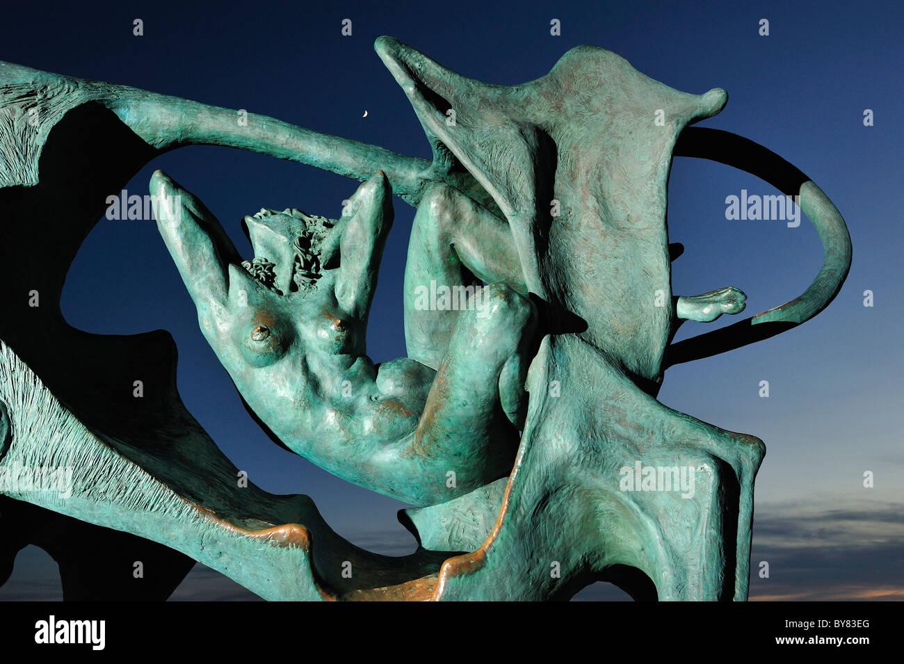 Pasiphae estatua en la playa de Vilanova i la Geltrú. Oscar Estruga. Imagen De Stock