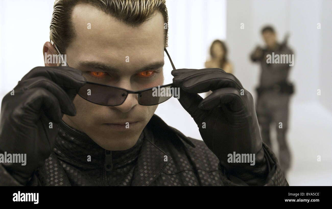 Resident Evil: Afterlife Año : 2010 USA / Director Británico : Paul W.S. Anderson Shawn Roberts Imagen De Stock