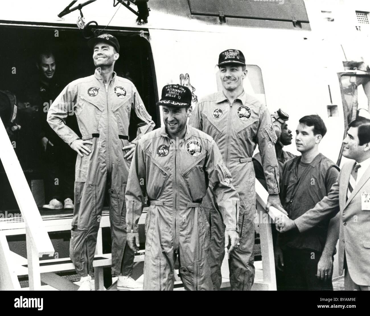 Apolo 13 Fred. W. Haise, James A. Lovell Jr. y John L. Swigert Jr. tras su regreso a la tierra. Imagen De Stock
