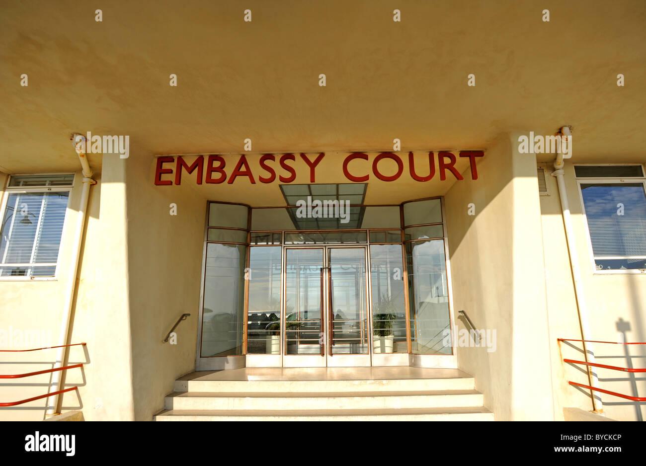 Corte de la embajada para un bloque de viviendas situado en Brighton Seafront diseñado arquitecto Wells Coates y Foto de stock