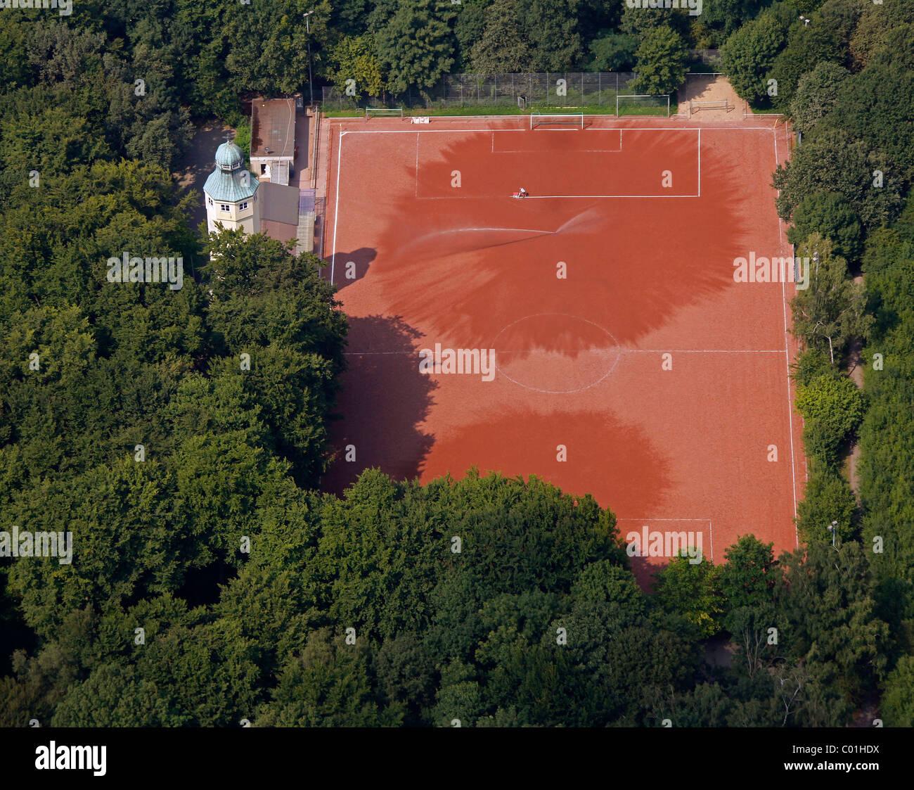 Vista aérea del parque Volkspark, y un campo de deportes, Herne, área de Ruhr, Renania del Norte-Westfalia, Imagen De Stock