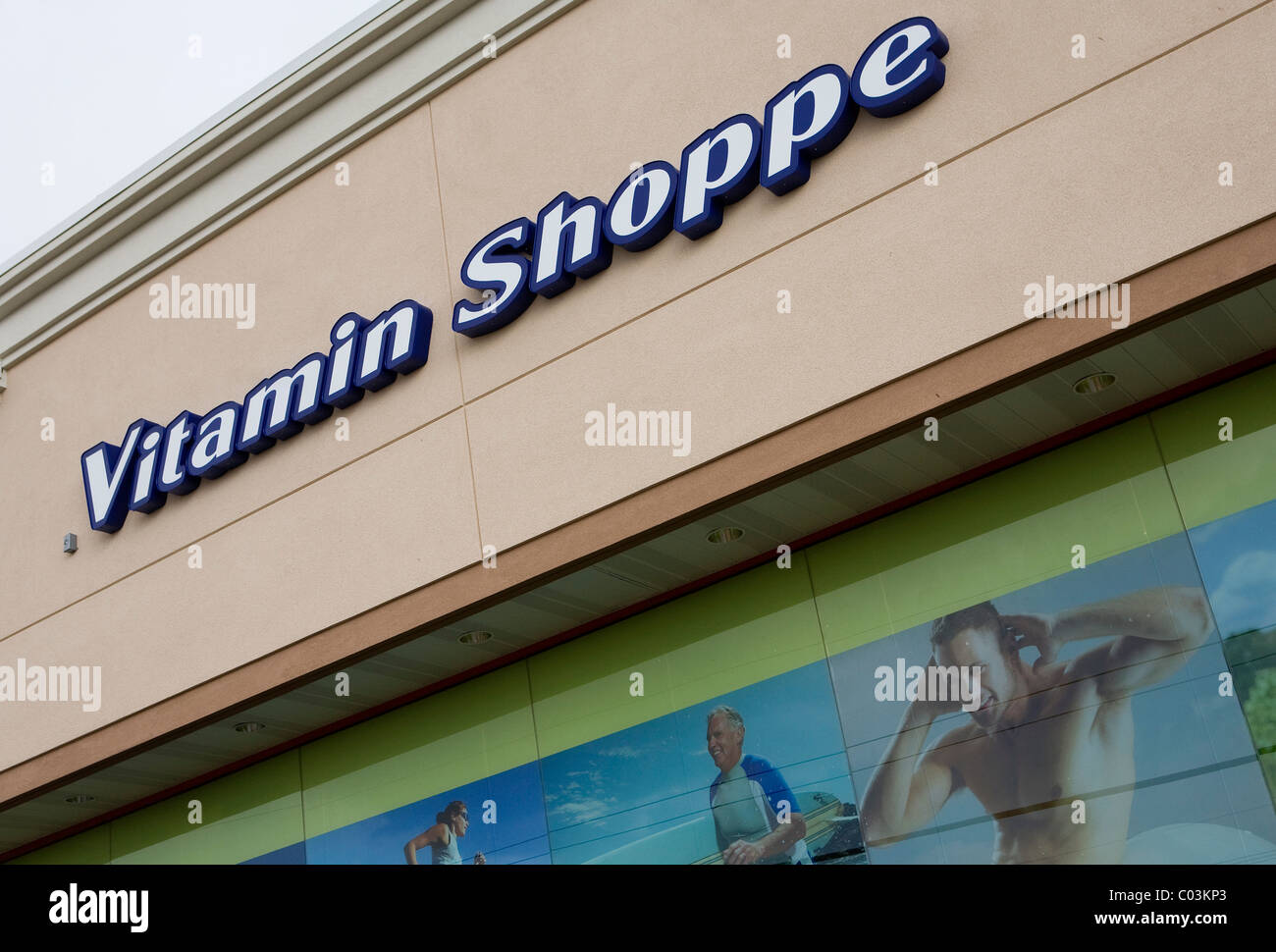 Una vitamina Shoppe tienda minorista. Imagen De Stock