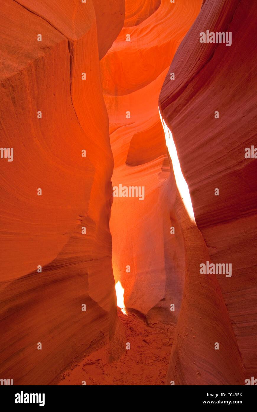 Coloridas formaciones rocosas a menor Antelope Canyon, Arizona Foto de stock