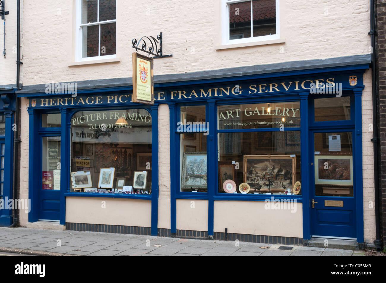 Picture Framing Shop Imágenes De Stock & Picture Framing Shop Fotos ...