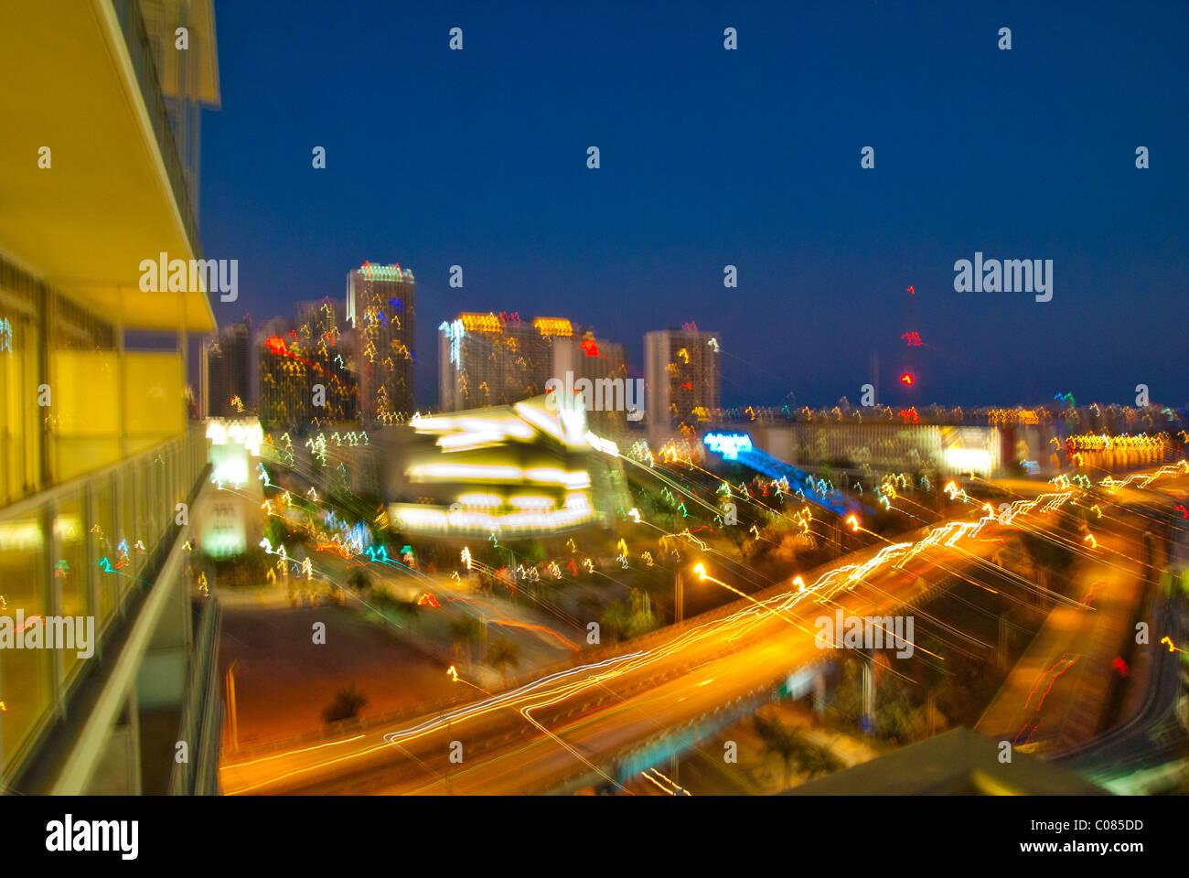 Desenfoque de movimiento abstracto del perfil de la ciudad de Miami, Florida, USA. Imagen De Stock