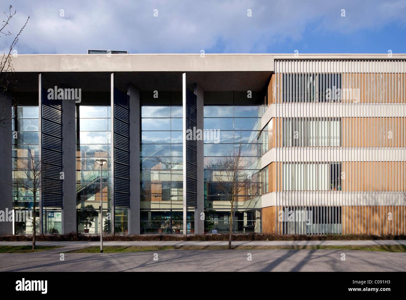 Center for Environmental, Bio-, y la tecnología de la energía, la ciudad de las Ciencia Adlershof, Berlín, Imagen De Stock