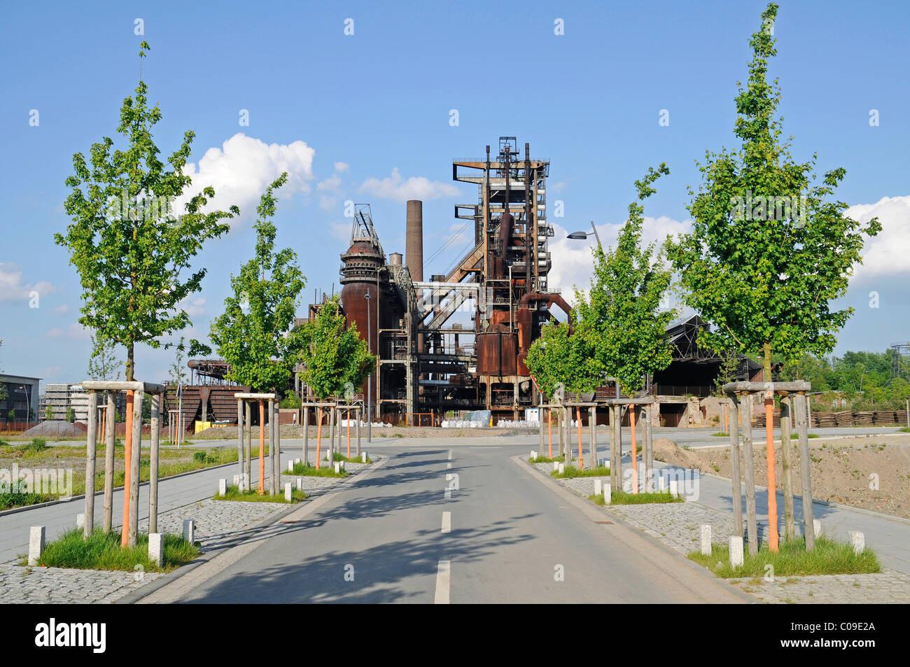 Antiguo alto horno Phoenix compleja, tecnología innovadora y las industrias de servicios, Hoerde, Dortmund, región Foto de stock