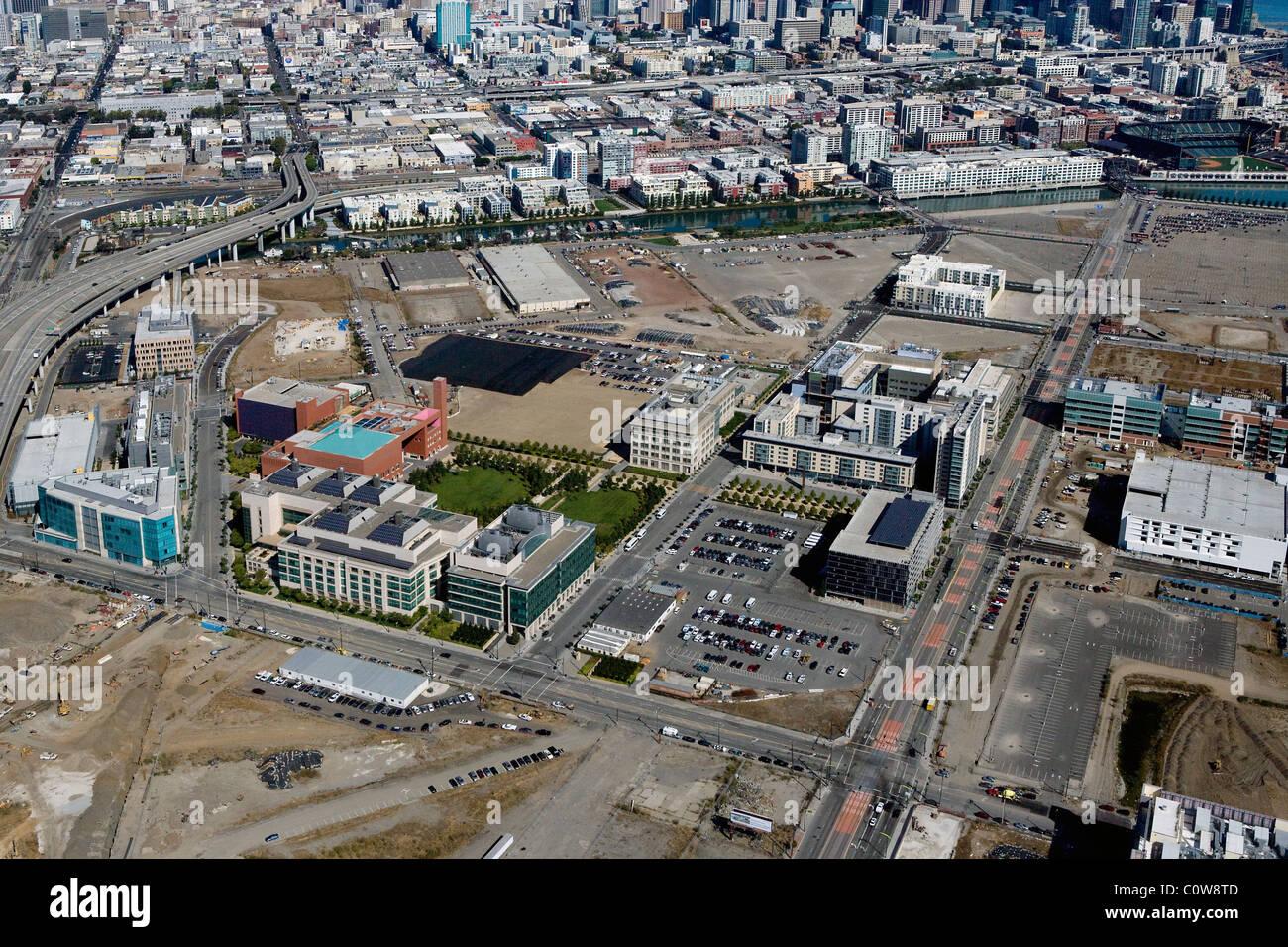 Vista aérea por encima de la Bahía Misión, BIOMED UCSF de biotecnología de la Universidad de Imagen De Stock