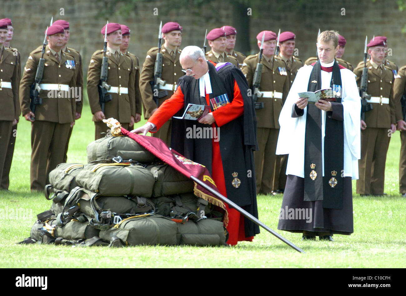 Servicio de cabeza del tambor para el 4º Batallón del Regimiento Para disparar sobre sus nuevos colores Foto de stock