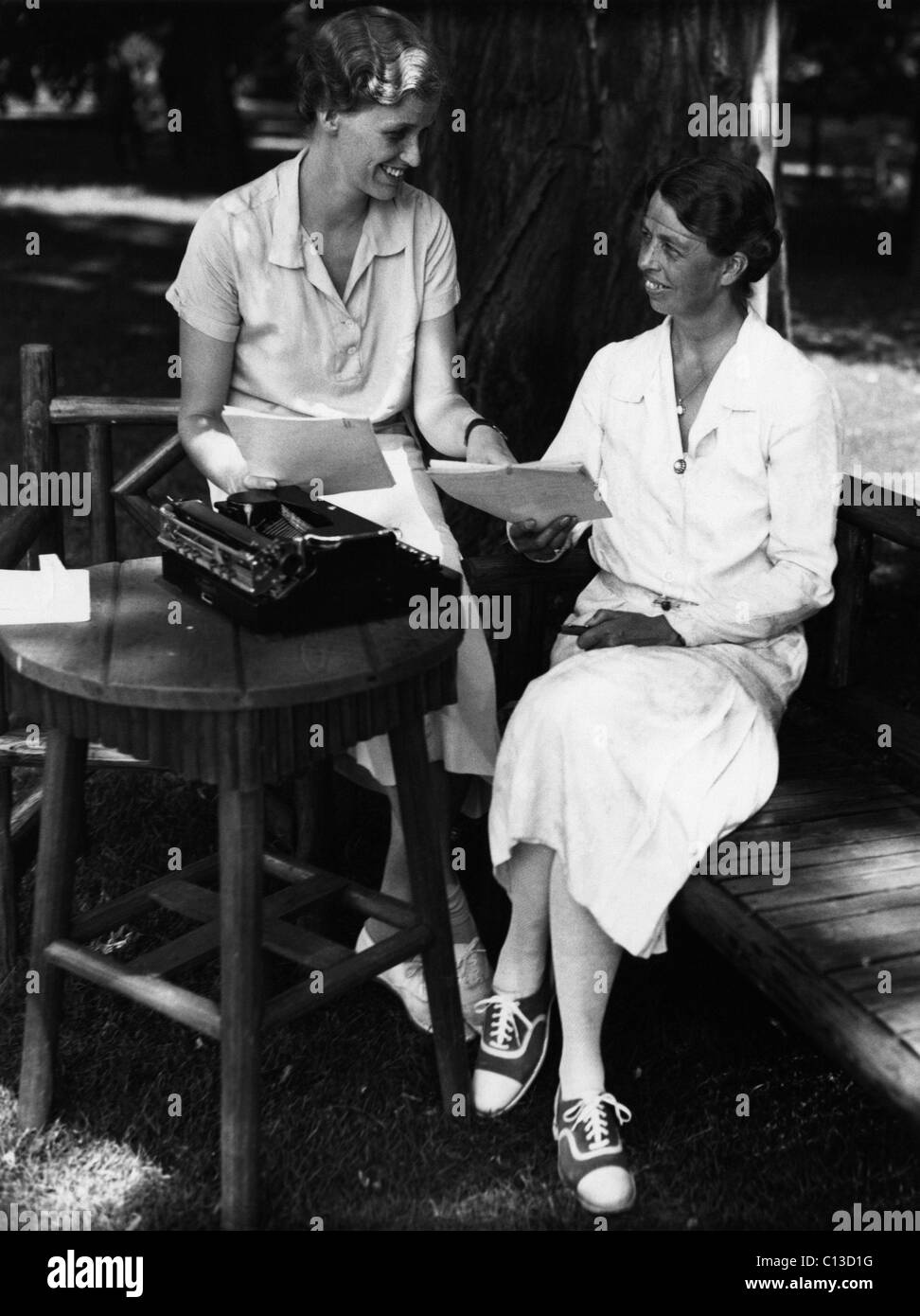 Eleanor Roosevelt With Anna Imágenes De Stock & Eleanor Roosevelt ...